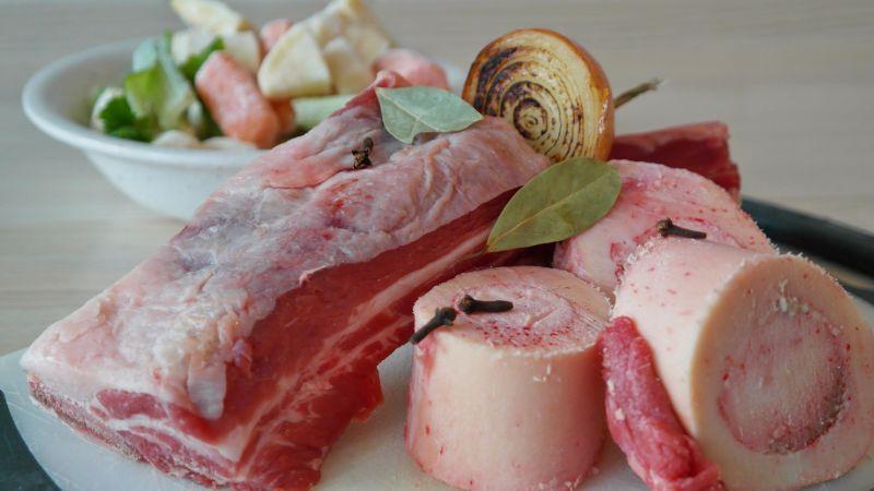 Лабораторное мясо против натуральной говядины: чья возьмет?